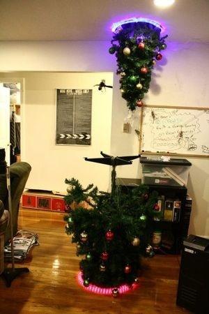 Игроки сделали необыкновенную елку в образе Portal