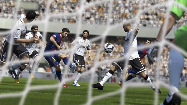 EA сообщила о новой системе перемещения и усовершенствованной полузащите в игре FIFA 14