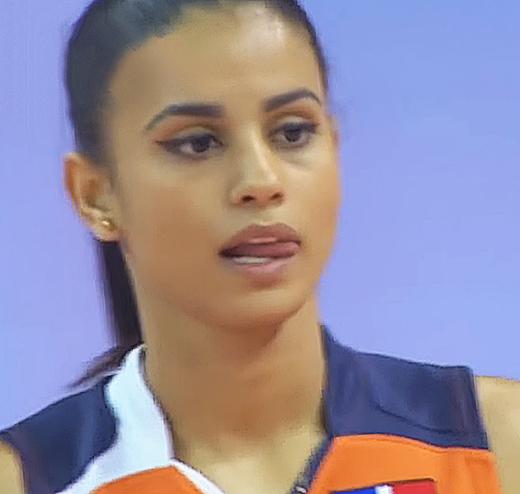 Волейболистка изДоминиканы стала новоиспеченной звездой сети