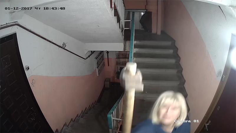 skritaya-kamera-nochyu-v-dome-2