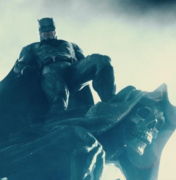 Новый бэтмобиль засветился втрейлере «Лиги справедливости»