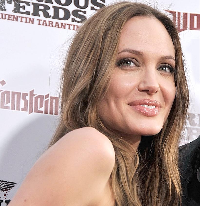 Анджелина Джоли полностью сменила внешность и шокировала интернет