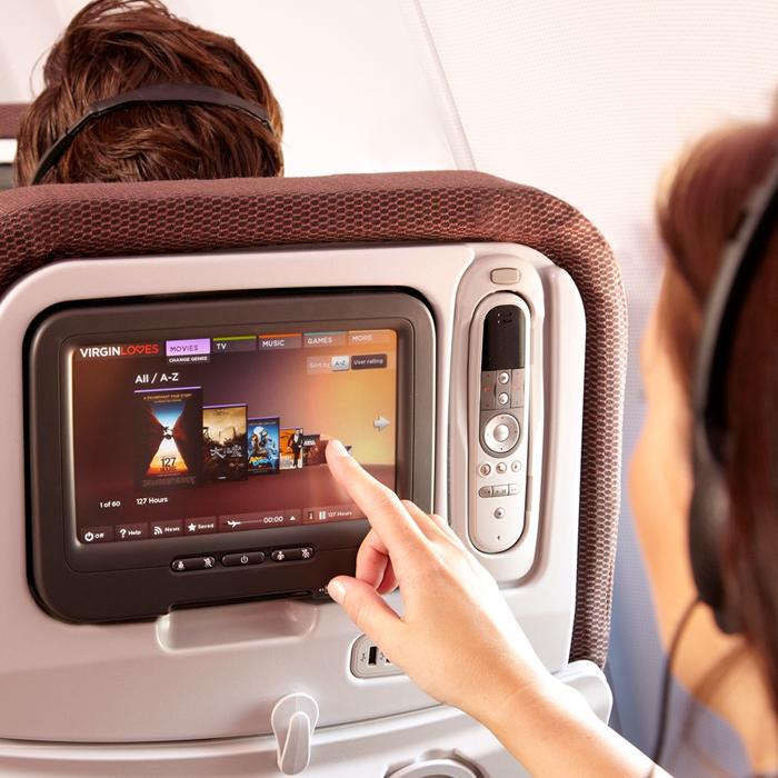 Специалисты обнаружили возможность перехвата управления самолетом через мониторы наборту