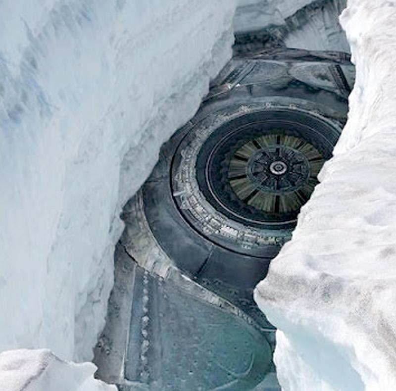Исследователь сУрала нашел вольдах Антарктиды космический корабль