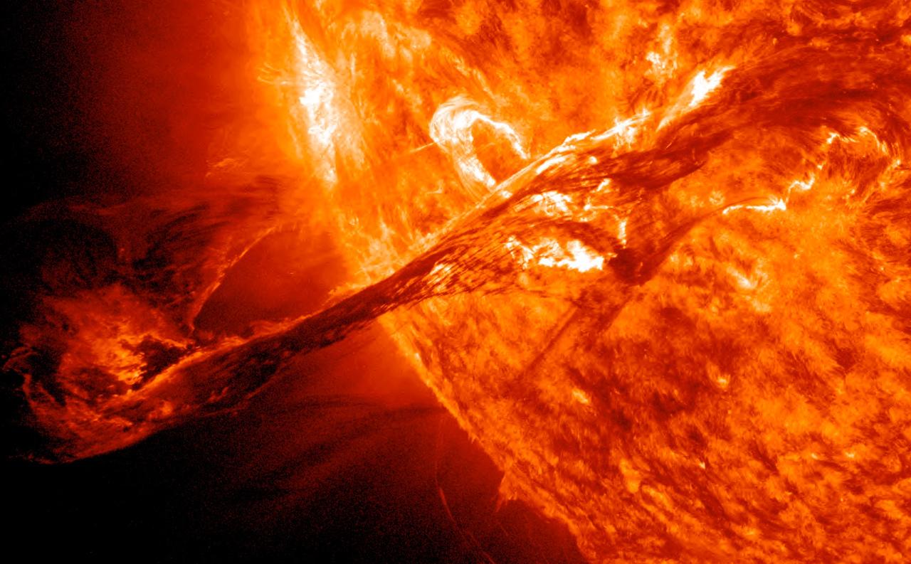 Зонд NASA Паркер осуществит беспрецедентное погружение всолнечную атмосферу
