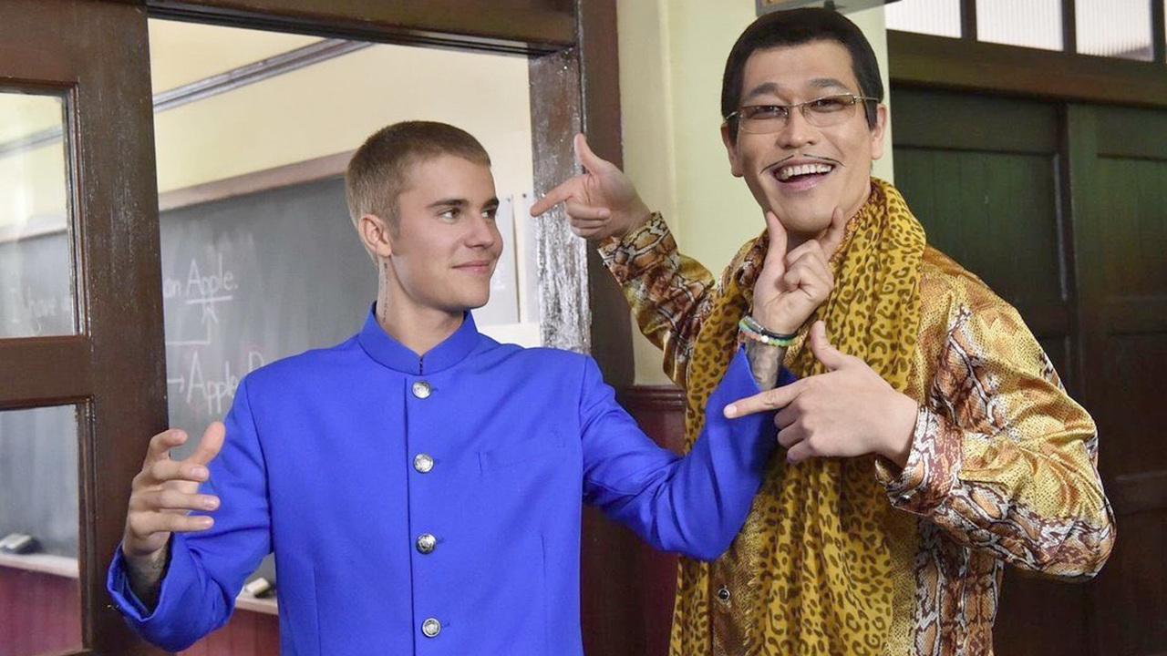 Бибер снимется врекламе с создателем интернет-хита Pen-Pineapple-Apple-Pen