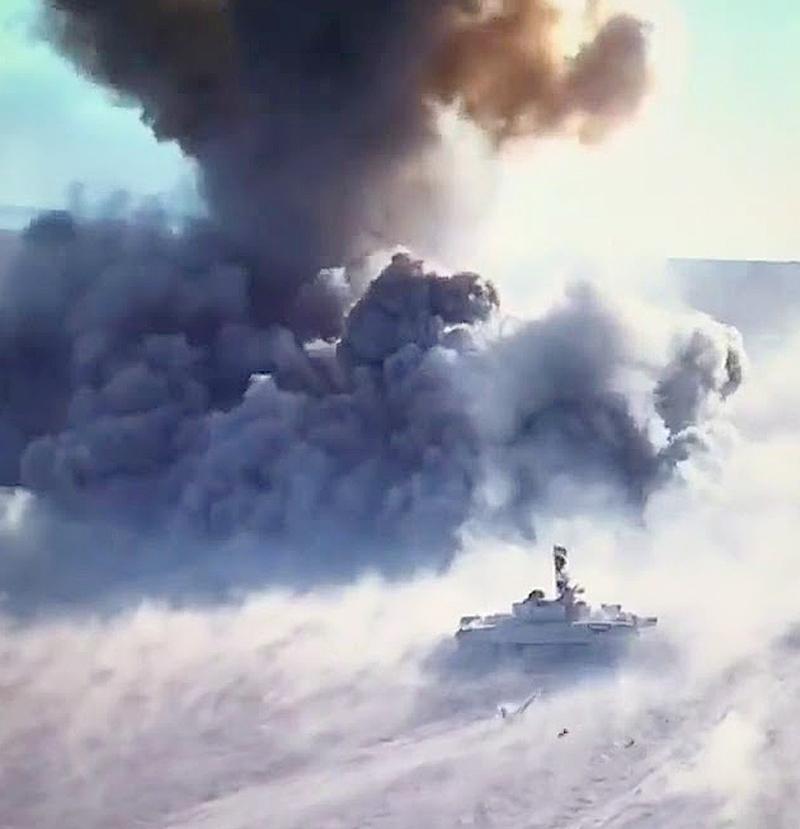 Военные вИраке опубликовали видео дуэли танка и«джихад-мобиля»