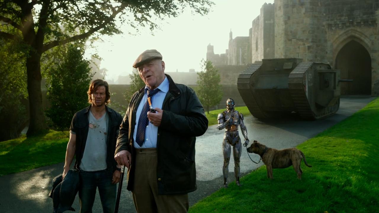 Марк Уолберг приручил стального динозавра втрейлере «Трансформеров: Последний рыцарь»