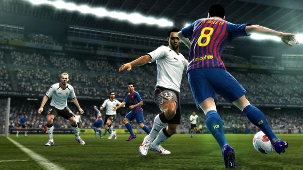 Konami добавила в игру PES 2013 еще 20 команд