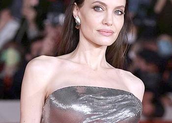 Анджелина Джоли своим болезненным видом ужаснула фанатов