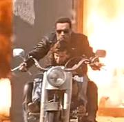 Показаны исправленные Джеймсом Кэмероном сцены переиздания фильма «Терминатор 0 0D» вместе с через CGI-графики