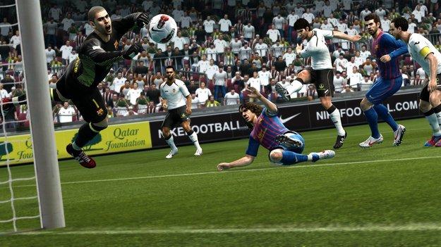 Игра PES 2013 похвастается расширенным списком лицензированных команд